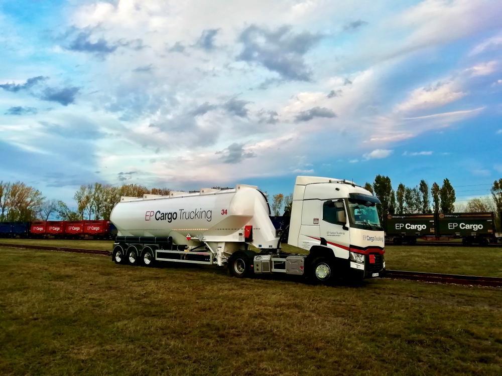 Der Tankwagen EP Cargo Trucking