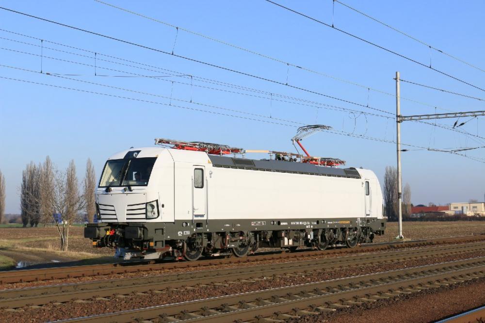 Nová lokomotiva 383.063